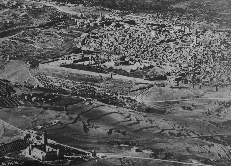 Luftbilder aus Palästina - Jerusalem 1918. Foto: Bayerisches Hauptstaatsarchiv. via http://vermessung.bayern.de